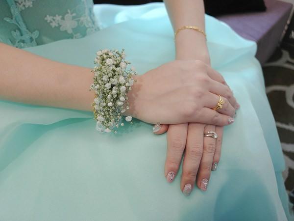 清新滿天星新娘手腕花│永香婚宴
