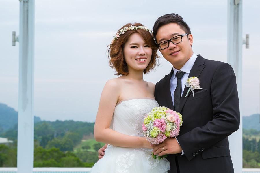 秀氣清新的短髮新娘鮮花花環造型│紀安&怡雯婚宴-心之芳庭