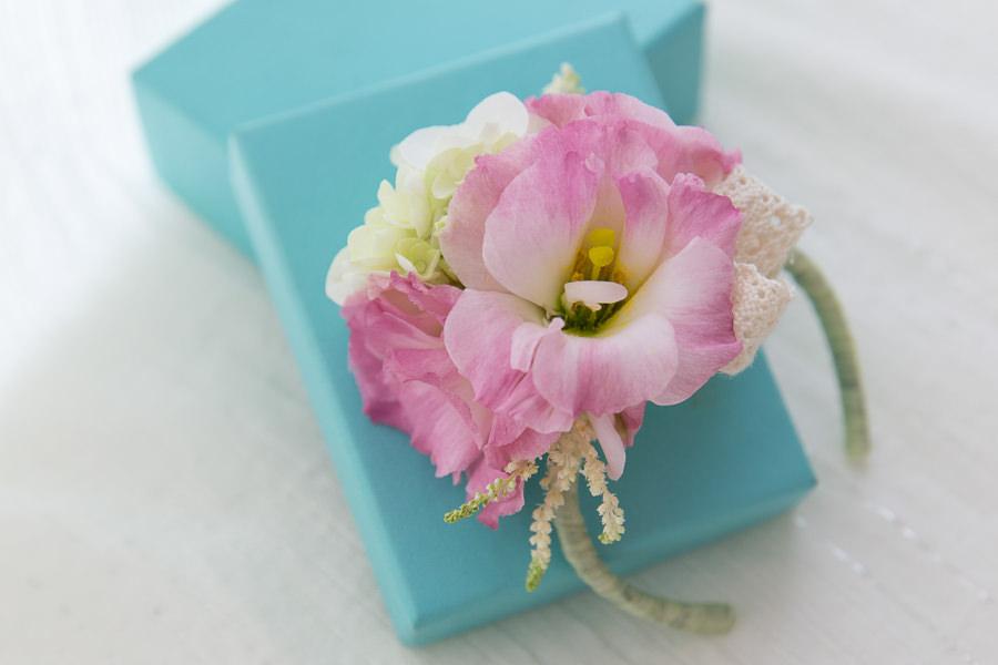 新娘雜誌作品│新娘物語-甜美吸睛~粉紅色大花新娘手腕花