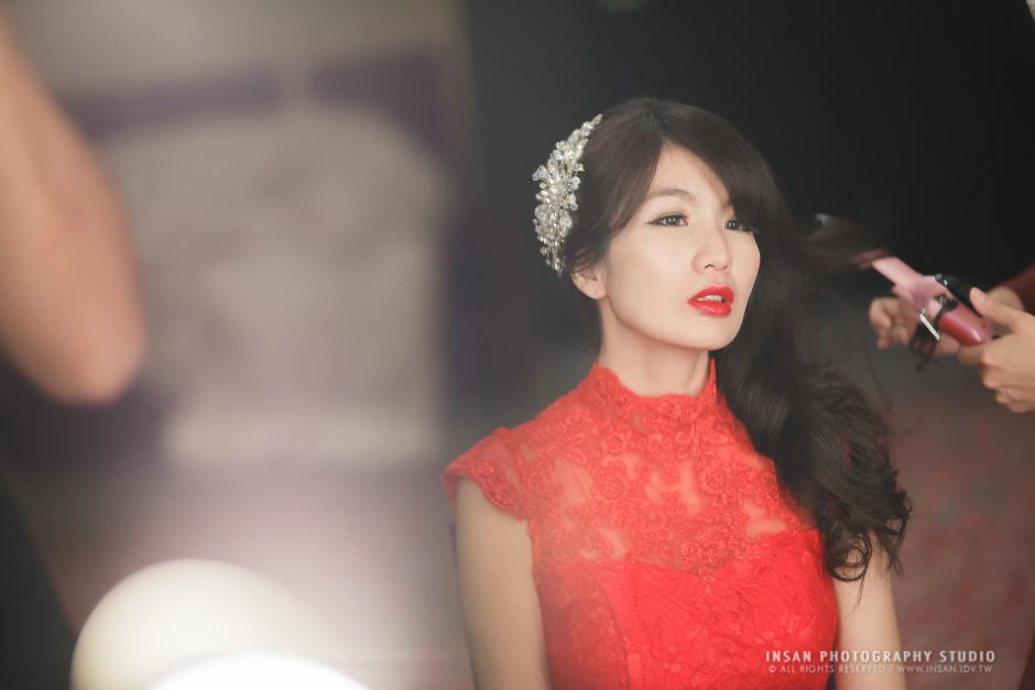 新秘Yuki│新秘推薦│紅色禮服│側邊髮│紅唇新娘│新娘髮型|新娘造型|婚宴造型