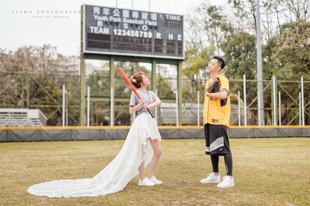 運動風自助婚紗|Yours Bridal Dress|Alisha & Lace|興農婚紗|兄弟婚紗|棒球風婚紗
