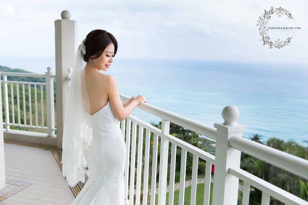 新娘秘書|新秘| 新娘造型|新娘髮型| 歐美風造型|新娘妝容| wedding hairstyle|盤髮造型|戶外婚宴|花蓮新秘|遠雄悅來飯店|黑髮新娘