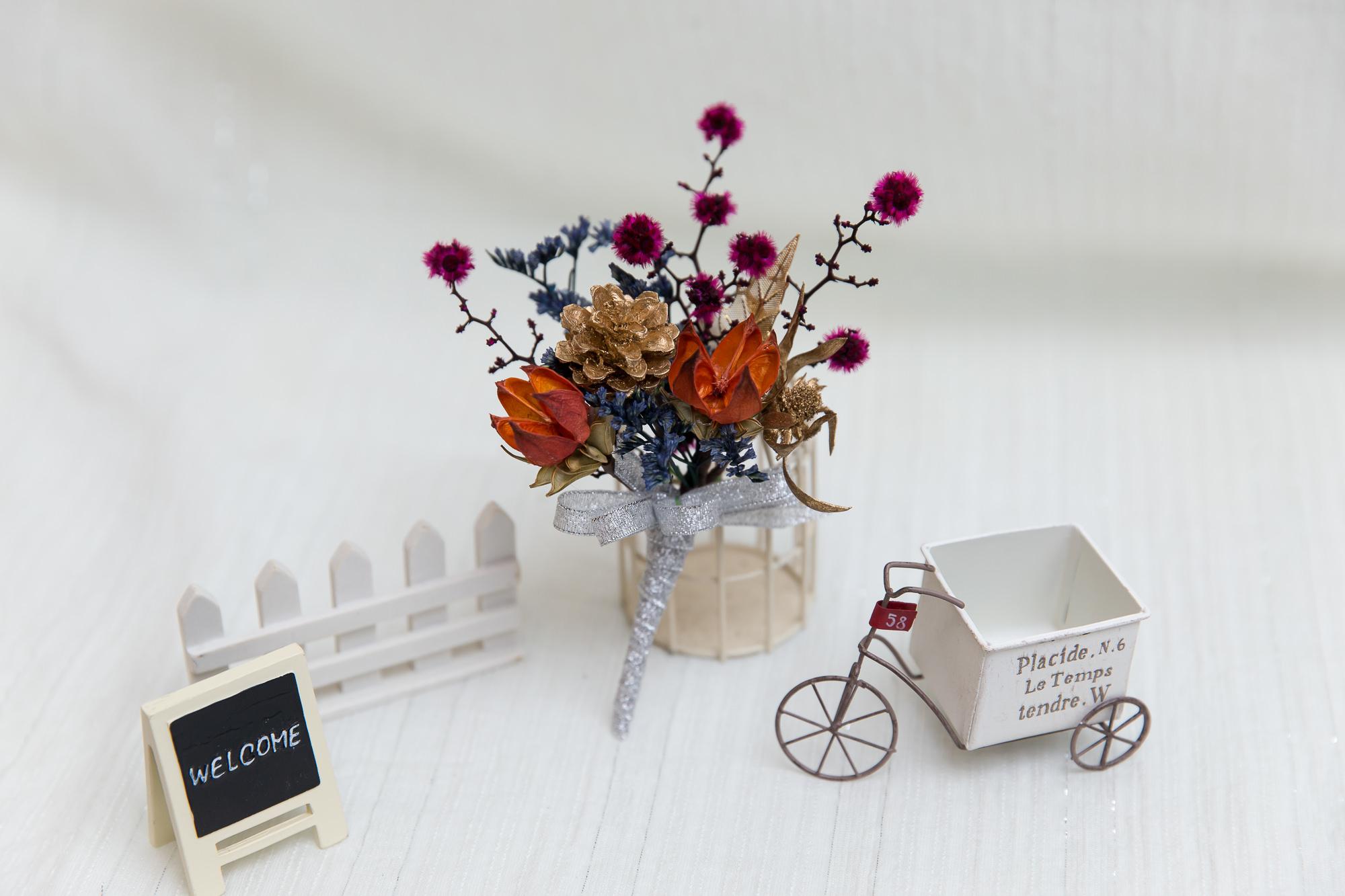 新郎胸花, 新娘秘書, 新秘, 乾燥花胸花, 寶藍色胸花, 金色胸花, 不凋花胸花, boutonnieres