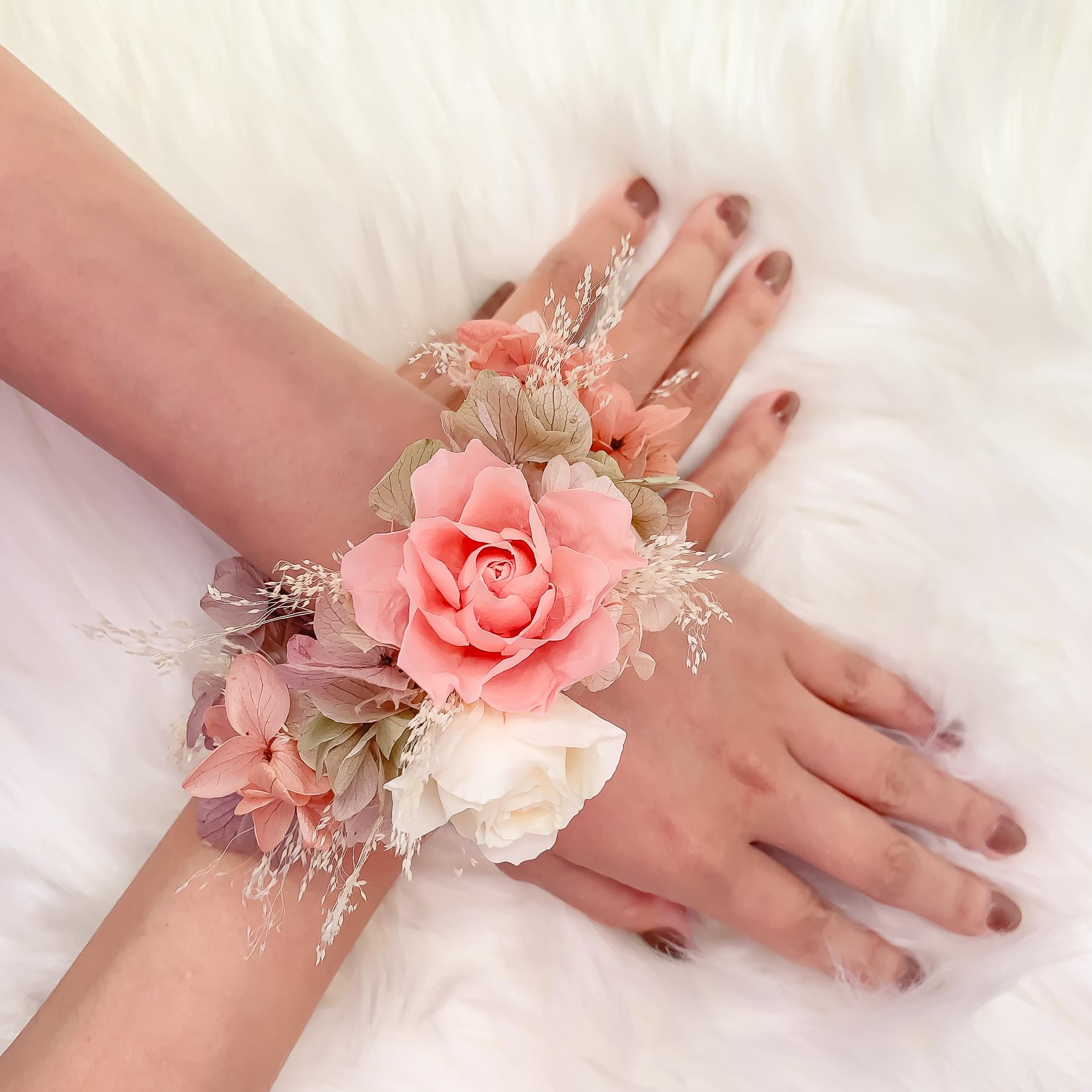 新秘Yuki,新娘手腕花,鮮花新秘,不凋花飾品,不凋花手腕花,永生花花手腕花, 高雄不凋花