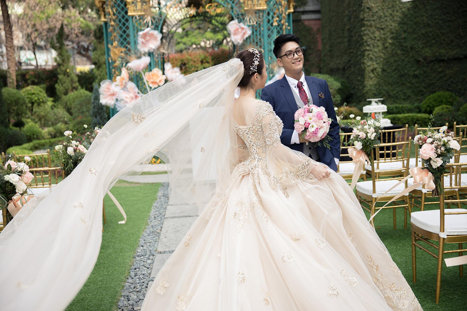新秘Yuki, 新娘秘書, 新秘, 新娘造型, 白紗造型, 高雄新秘, 宮廷風造型, 維多麗亞酒店, 戶外證婚, 戶外婚禮