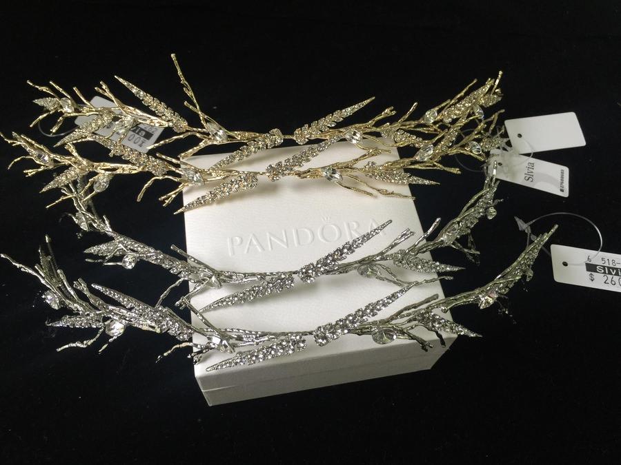 新娘頭飾│不規則設計感的森林系枝葉髮飾