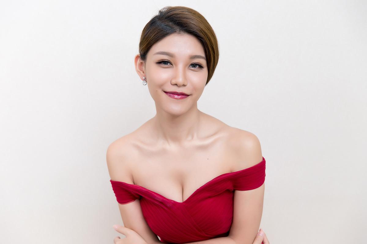 新秘Yuki│北部新秘│新秘推薦│紅色禮服│盤髮│新娘髮型│bun hairstyles